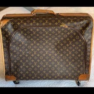 Louis Vuitton Pullman luggage